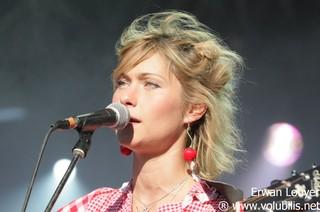 http://www.volubilis.net/festivals/armor_a_sons_2011/giedre/giedre_07.jpg
